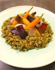 Epeautre, betteraves, navet et carottes, condiment de fanes