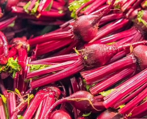 Mini-légumes du jardin d'Eric Roy lavés et préparés pour une expédition fraîcheur garantie